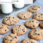 Hands down the easiest Oatmeal cookies recipe adapt it with your favorite ingredients such as raisins, chocolate chips, nuts or dried fruits. Grab this oatmeal cookies recipe at DearCreatives.com #oldfashionedoatmealcookies #oatmealcookies #chocolatechipoatmealcookies #oatmealcookiesrecipe #vanishingoatmealcookies