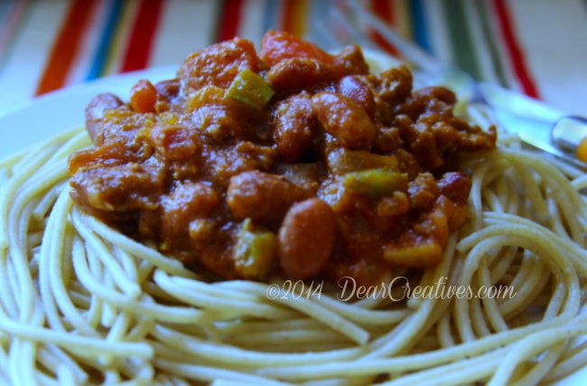 Chili on a bed of whole wheat noodles_