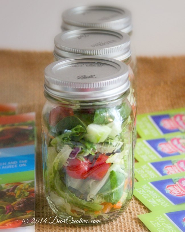 Salads in mason jars_