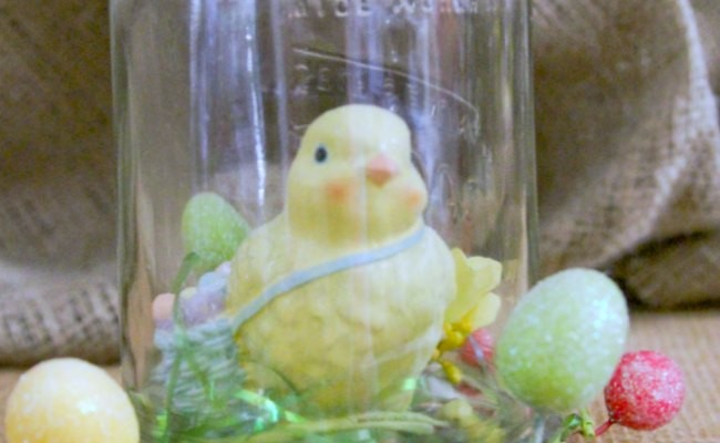 mason jar craft_chick in jar with easter eggs -
