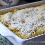 Cooked Macaroni and Cheese n a baking dish_