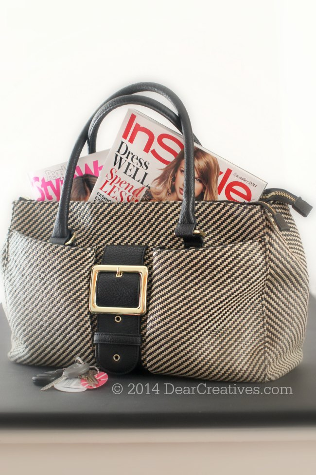 Purse with Magazines in it_ Purse with fashion magazines in it_