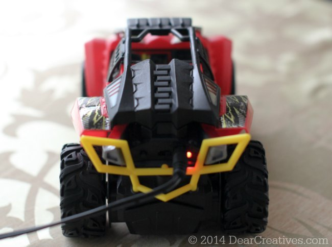 Back of Hot Wheels High Jump Frenzy with charger plugged in_!-© 2014 DearCreatives.com
