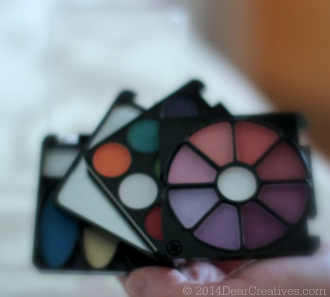 FLASHMOB Eye Shadows_Makeup Compact_© 2014 DearCreatives