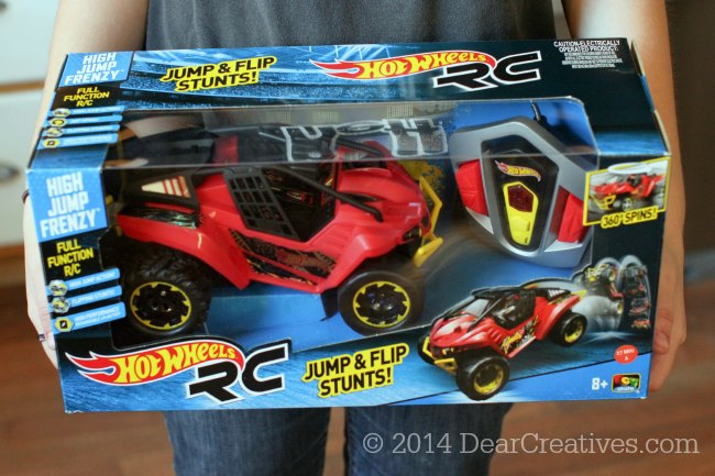 Hot Wheels RC High Jump Frenzy_RC Toy in Package_Toy State Toys_© 2014 DearCreatives.com
