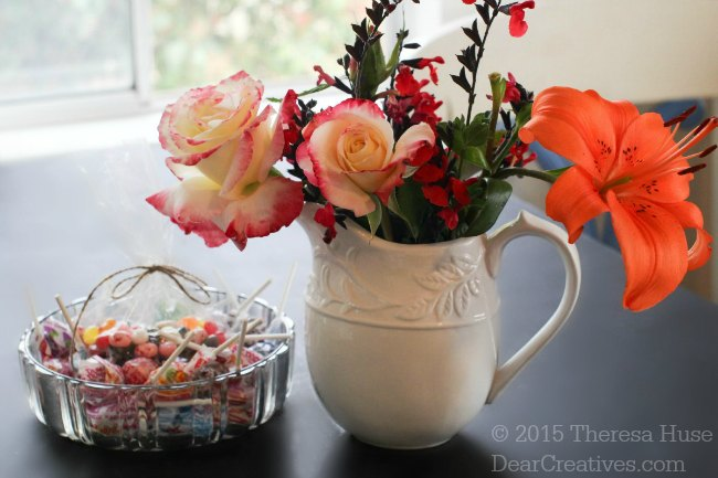 Spangler Candies and vases with flowers #TheMagicOfSpring