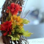 DIY Craft Projects | Wreath DIY | Home Decor Ideas | How to decorate a grapevine wreath for fall.
