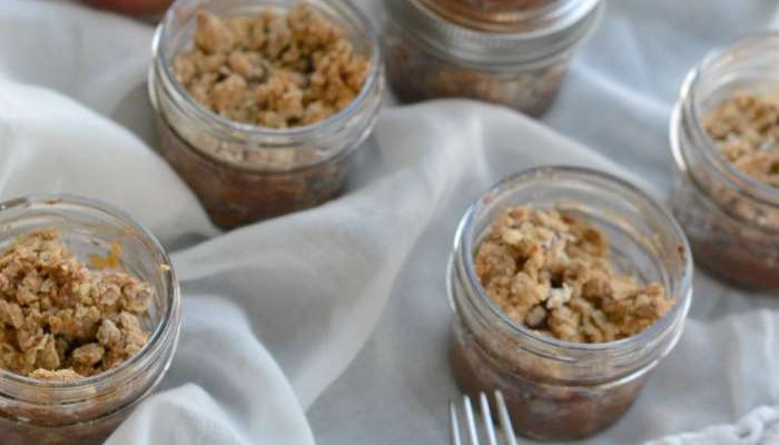 Easy Dessert Recipe: Apple Crisp In Mason Jars So Delicious!