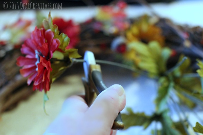 Crafts DIY Cutting the silk flowers with wire cutters
