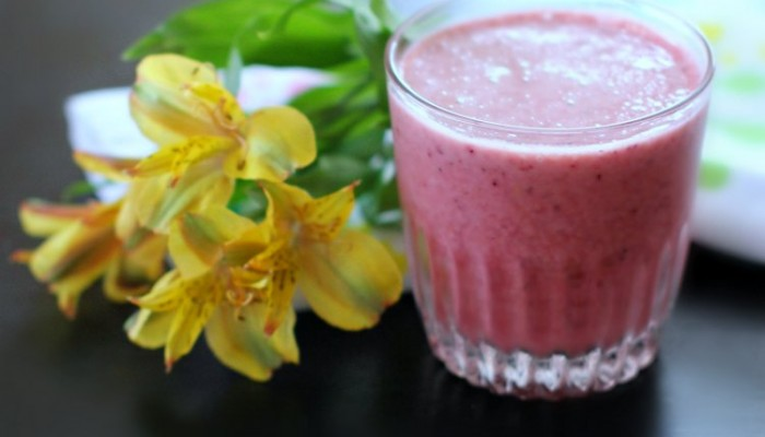 Oh So Delicious And Easy Berry Smoothie #Recipe