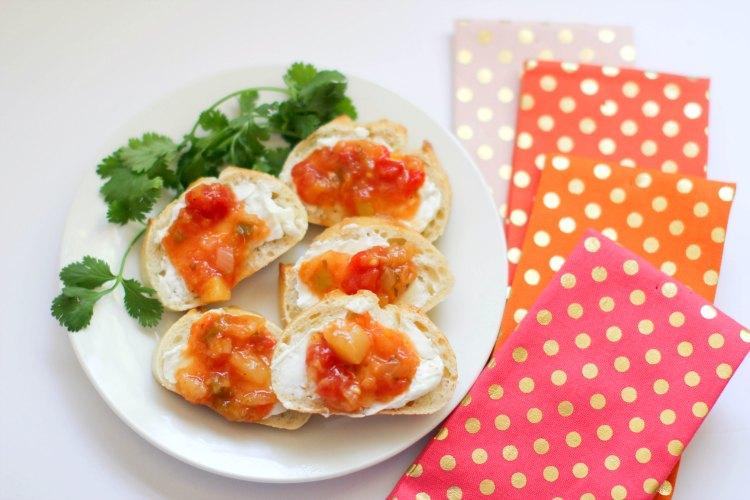 Mango Goat Cheese Bruschetta enjoy this easy appetizer recipe at DearCreatives.com
