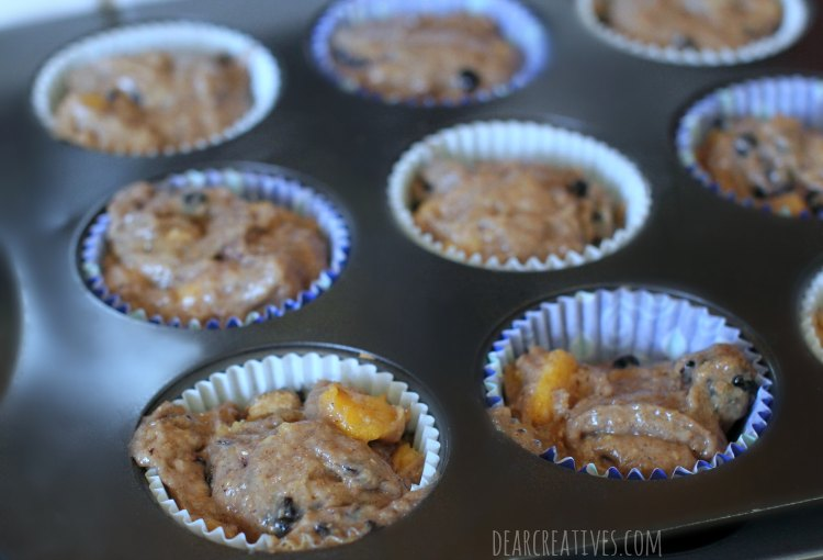 muffins-recipe-batter-in-lined-muffin-tin