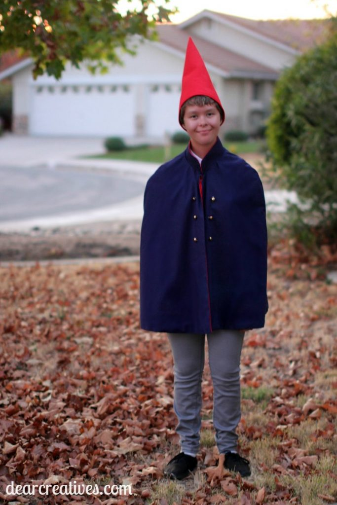 Wirt Costume DIY | Wirt from Over The Garden Wall Costume DIY with sewing and no sew options. Easy to make and a great costume for parties, cosplay and Halloween.