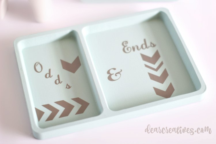 DIY Crafts Projects Odds and Ends catch all tray DearCreatives.com | DIY Craft Projects Barn Red Dixie Belle Chalk Paint DearCreatives.com | DIY Craft Projects painting with Dixie Belle Chalk Paints DearCreatives.com | DIY Craft Projects that anyone can do. You'll love transforming your projects with chalk paint and a few other supplies!