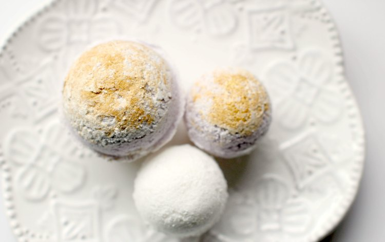 Beauty DIY Recipes How to make bath bombs© 2017 Theresa Huse you'll love these bath bombs recipes easy to make and use.