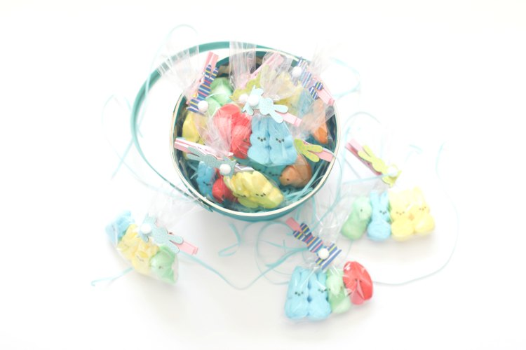 Fun and Easy DIYs Easter treats Peeps Treat Bags In an Easter Basket. This is an easy and fun DIY that can be used for Easter, a party or celebration.