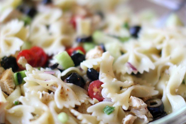 Pasta Salad Recipe Chicken Pasta Salad DearCreatives.com This is an easy pasta salad recipe with fresh vegetables, chicken and black olives.