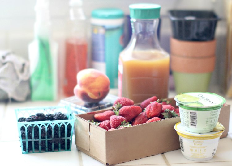 Supplies for blackberry smoothie. This is an easy smoothie recipe.