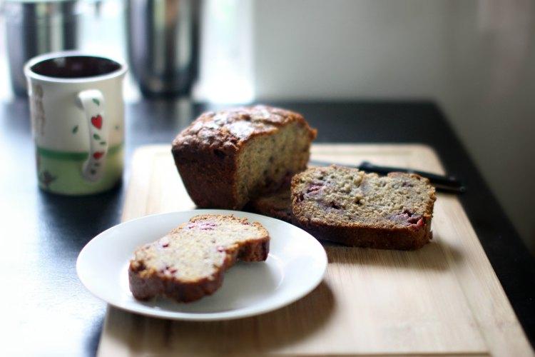 Strawberry Bread Recipe DearCreatives.com Fresh baked homemade strawberry banana bread