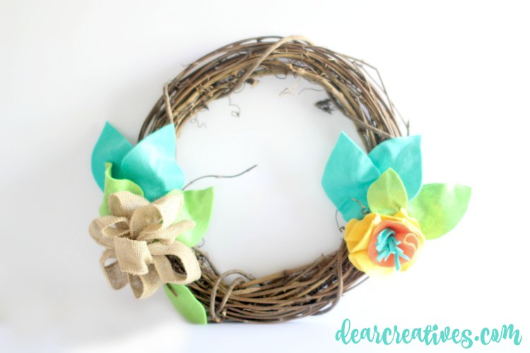 Grapevine wreath ideas, Grapevine Wreath decorated with felt- How to decorate a grapevine wreath with felt leaves and flowers. DearCreatives.com