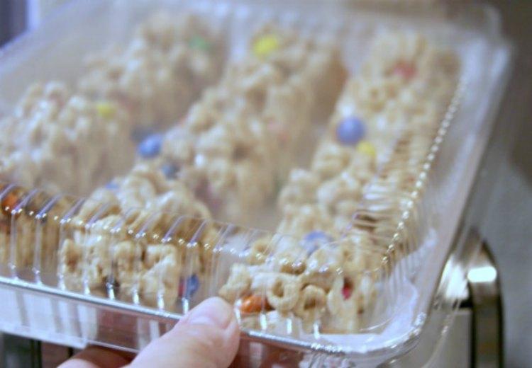 Closeup of a tray of Cherrios treat bars