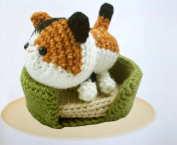 craft book review -Dumpling Cats Crochet Book DearCreatives.com crochet cat on a crochet cat bed