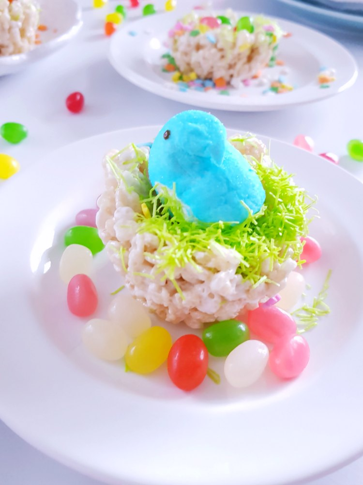 Birds Nest Krispie Treats with edible grass, jelly beans, and Peeps® DearCreatives.com