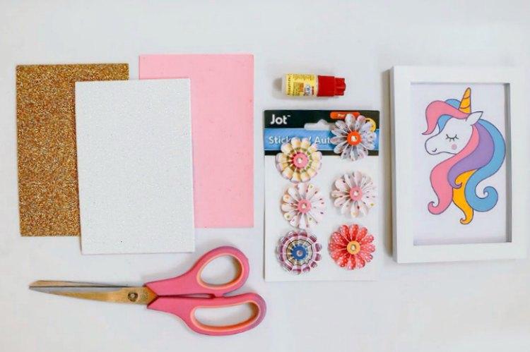Unicorn Frame Diy is an Easy Unicorn Craft to Make