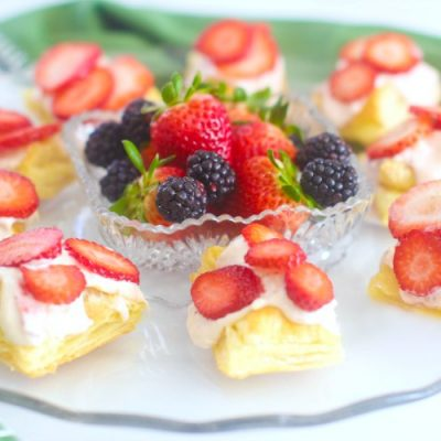 Puff Pastry Appetizer with strawberries DearCreatives.com