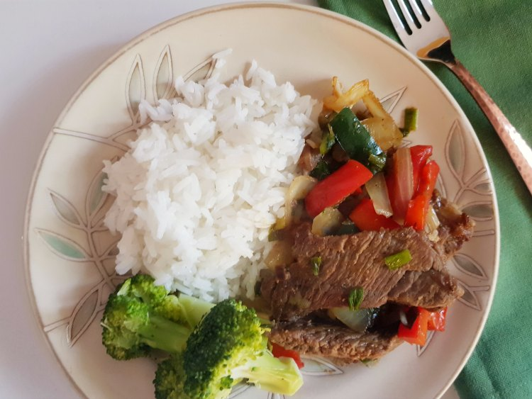 Beef stir fry with rice DearCreatives.com #beef #beefstirfry