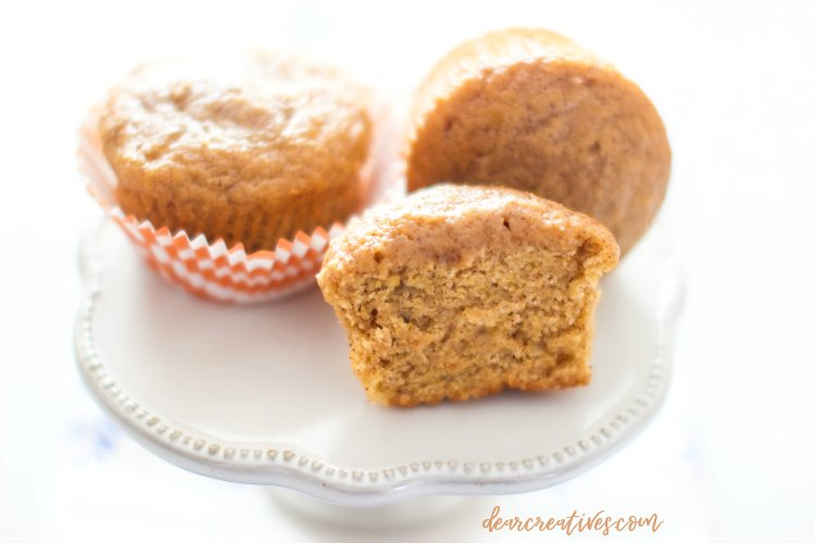 pumpkin muffins The best pumpkin muffins recipe. Moist, and tasty. DearCreatives.com #pumpkinmuffins #recipe