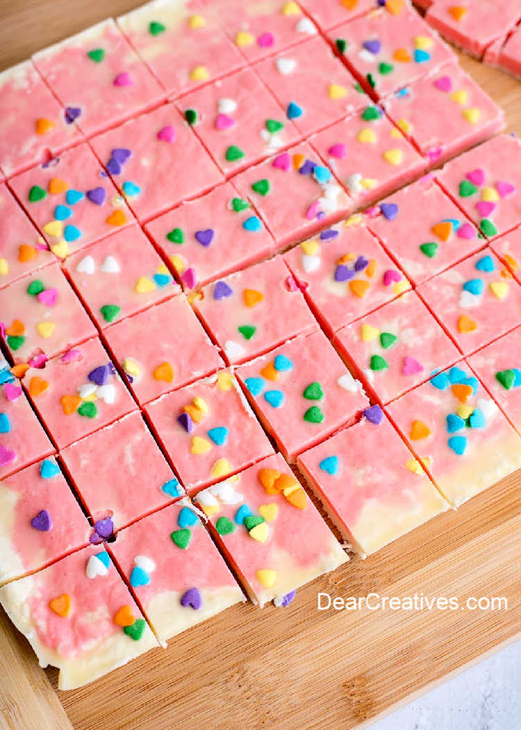 just cut marbled fudge. See how to make this candy making recipe at DearCreatives.com