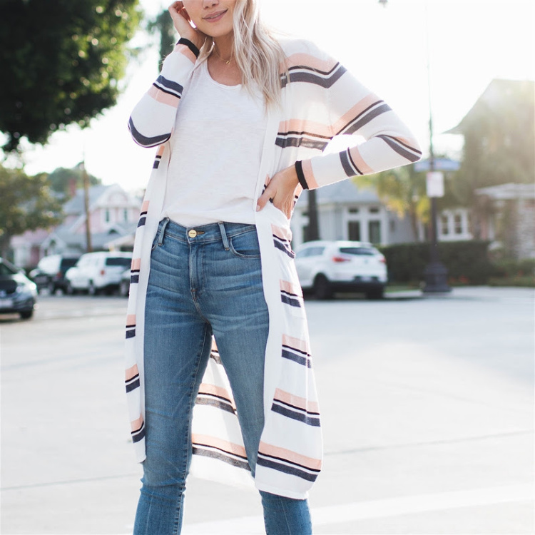 How to dress up your jeans and tees_ long striped cardigan sweater paired with a tee shirt and jeans. spring outfit ideas DearCreatives.com #striped cardigan #longcardigan #cardigansforspring