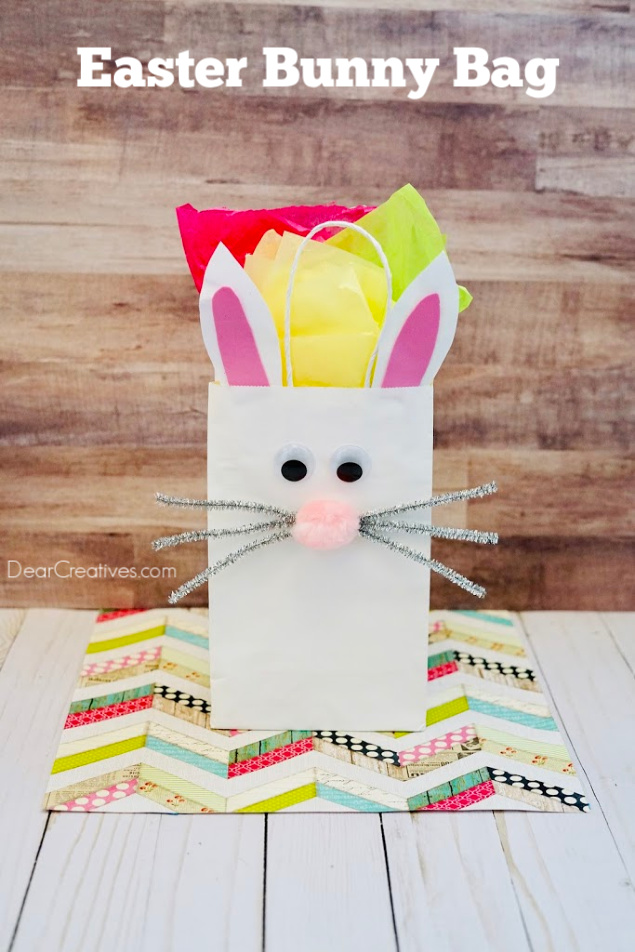 Easter Bunny Bag - How to make a bunny bag. Bunny Paper Bag Instructions with images at DearCreatives.com #bunnybag #bunnypaperbag #easterbunnybag #bunnygiftbag #diy #crafts #dearcreatives