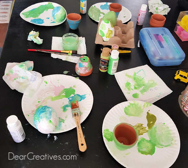 crafting with paint - kids crafts to make for spring and Earth day - DearCreatives.com
