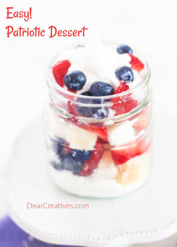 close up of the red, white and blue dessert in mason jars. Recipe and how to at DearCreatives.com