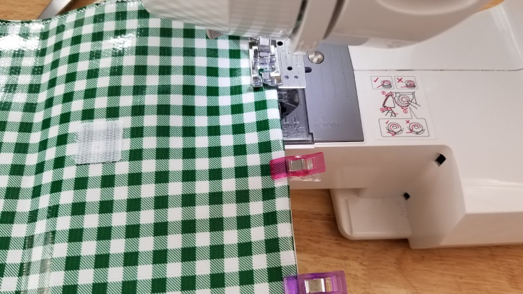 How-to Sew Oilcloth Lunch Bags Steps 10-11 full sewing instructions with step by step at DearCreatives.com