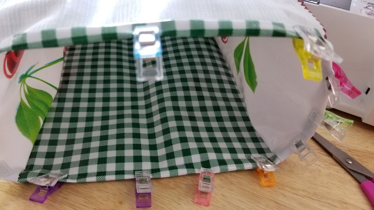 Oilcloth Lunch Bags Step 8 See full DIY for this easy back to school sewing project at DearCreatives.com