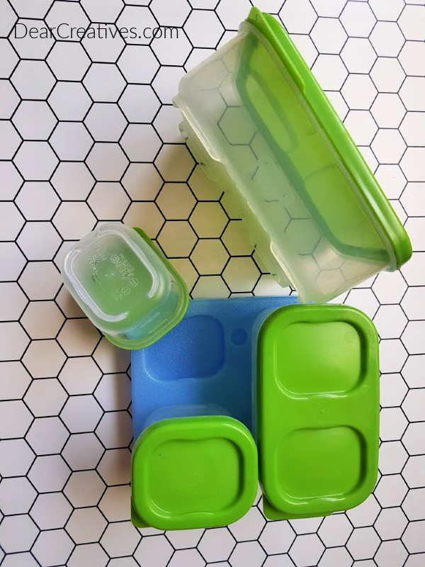 Lunch containers - BPA free, with dividers, and come with a blue ice freezer pack. Grab great ideas for packing your lunches at DearCreatives.com
