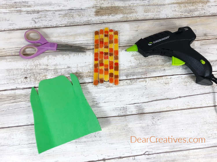 Step 6. The Harvest Corn just needs a Husk made from a large rectangle of green craft foam...DearCreatives.com
