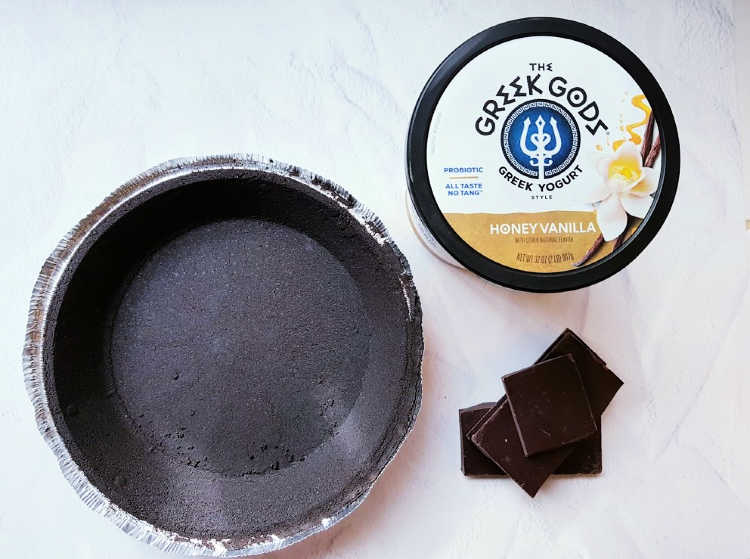 chocolate graham pie crust, unsweetetened chocolate and Greek God's Greek Style Yogurt for making a chocolate pie. DearCreatives.com