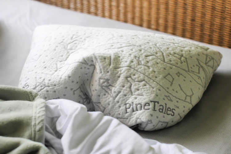 Tips for how to get a good night's sleep + Buckwheat Pillows Review -© DearCreatives.com