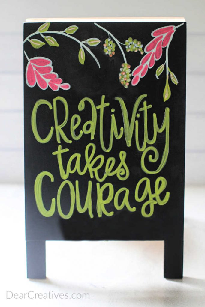 Hand Lettering - Lettering For Absolute Beginners book review - chalk art with hand lettering - learn how to hand letter-© DearCreatives.com
